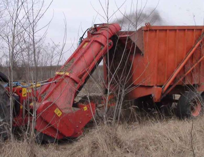 img-files-06-mulchers-w-collection-into-trailers-midiforst-drago-3-700