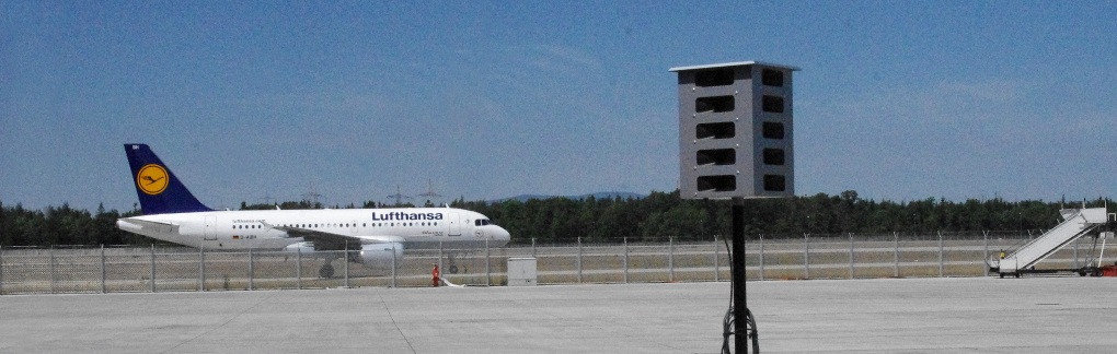 Purivox_-_BirdGard_-_Airport_bird_control_devices